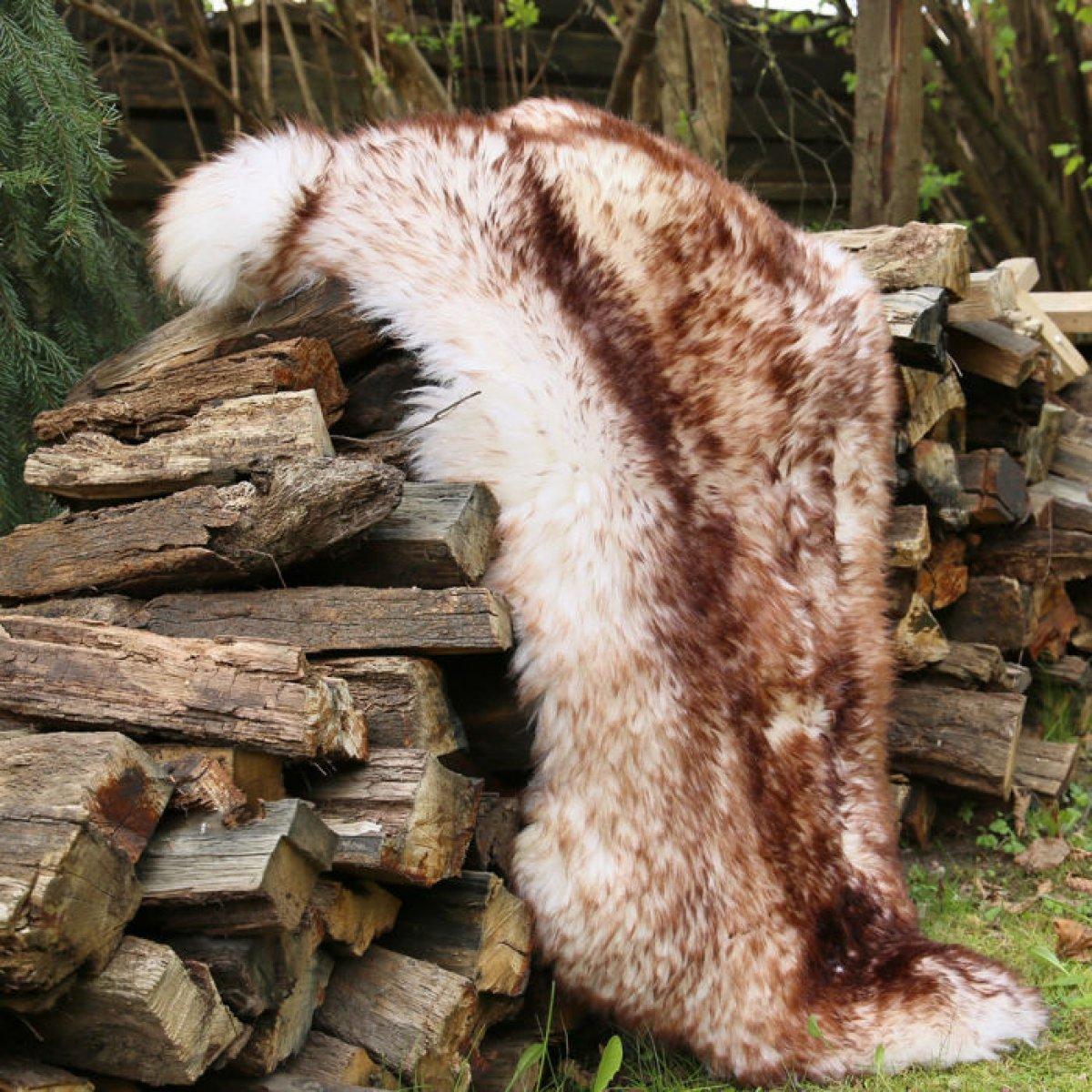 Ovčí kožešina 100% přírodní 131-150 cm muflon