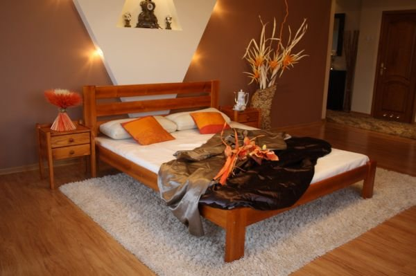 Postel Karina 140x200 olše - masiv borovice