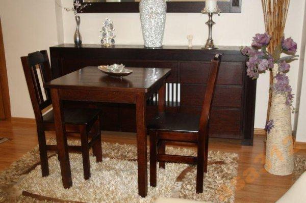 Stůl z masivu borovice 80x80 cm ořech