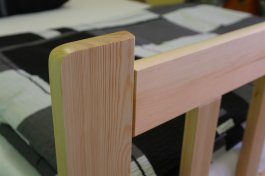 Postel Zita 140/200 cm masiv borovice + rošt
